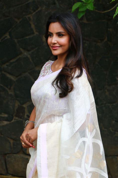 Actress Priya Anand Latest Photos - TamilNext