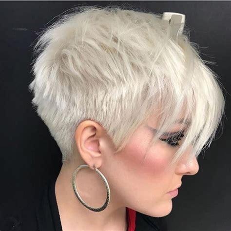 coupes courtes tendance  coiffure simple  facile