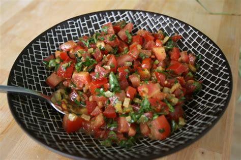 cuisiner le boeuf salade de tomate marocaine saveurs et voyages