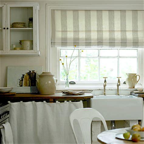 kitchen curtains  blinds