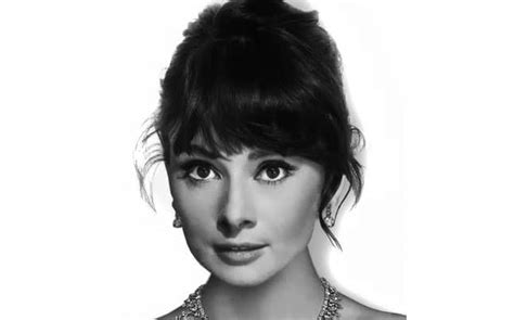 1950s Hairstyles With Bangs by The Coolest Vintage Hairstyles Of All Time The Trend Spotter