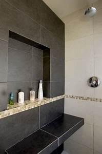 Etagere Dans La Douche : grande niche de rangement dans salle de bain italienne ~ Edinachiropracticcenter.com Idées de Décoration