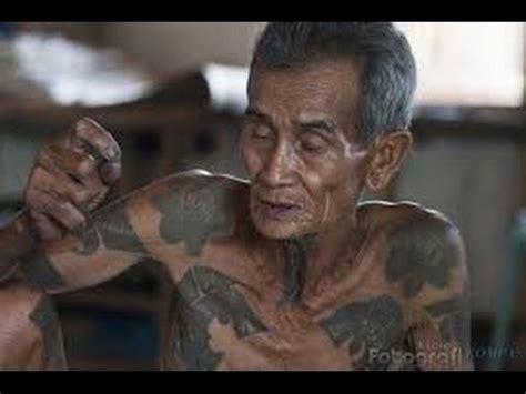 fakta keindahan tato suku dayak  memukau youtube