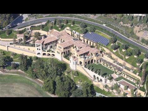 elon musk house elon musk installs solar panels on bel air mansion as he