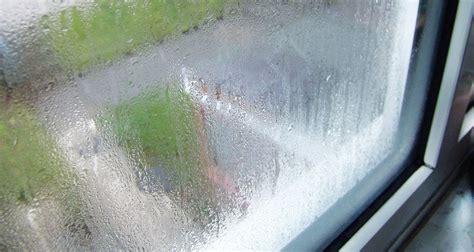 Потеют окна на кухне