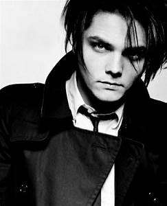 1093 best Gerard Way images on Pinterest | My chemical ...