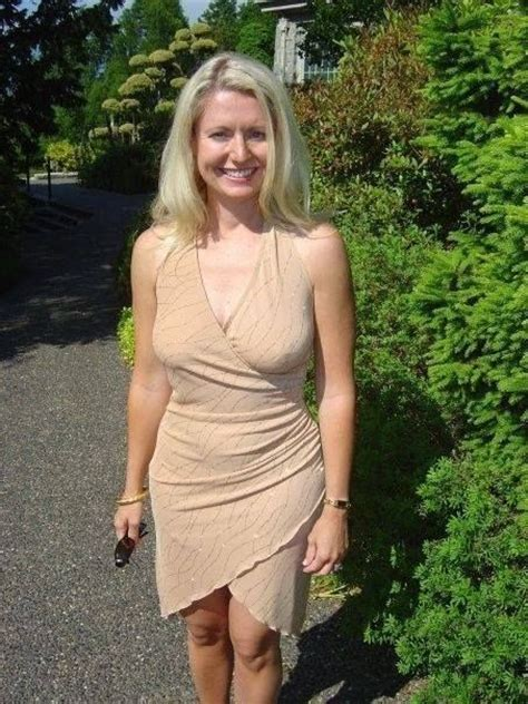 Hot Mom Good Looking Moms Pinterest Sexy Beautiful And Mom