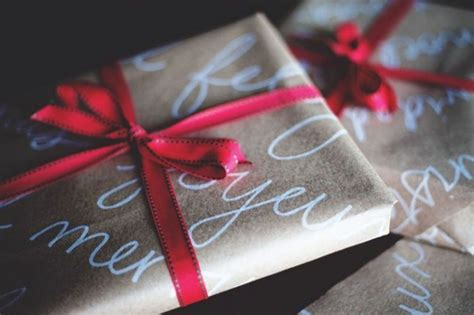 james st complimentary gift wrapping