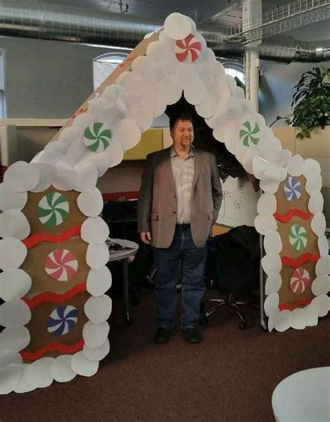 giner bread cubicle christmas decorations todd and his gingerbread house office cubicle decorations office