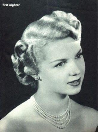 Popular Hairstyles In The 1940s by 1940 S Hairstyles For 1940s Org The 1940 S