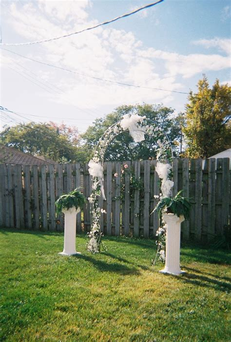 inexpensive backyard wedding best 20 cheap backyard wedding ideas on