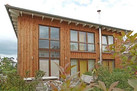 Moderne Häuser Mit Holzfenster by Modernes Einfamilienhaus Mit Holzfassade Soester