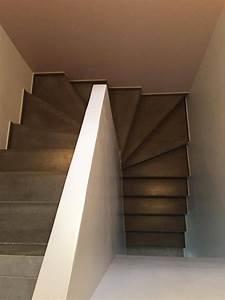 Escalier Colimaçon Beton : escalier b ton teint gris anthracite 2 4 tournant mur d 39 chiffre pl tr e escala en 2019 ~ Melissatoandfro.com Idées de Décoration