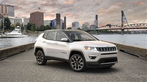 display   jeep compass parked   jetty