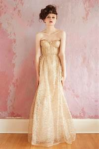 pink and gold wedding colors palette With golden dresses for a wedding