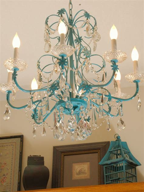 ideas  spray painted chandelier  pinterest paint chandelier painted