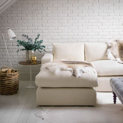 white living rooms decorating ideas red