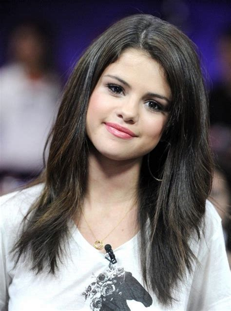 selena gomez hairstyles long straight hair popular haircuts