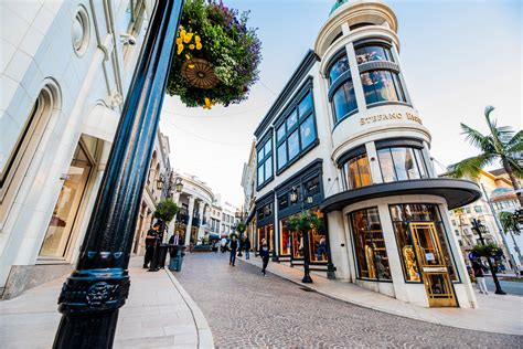 Rodeo Drive in Beverly Hills - the Gawker's Guide