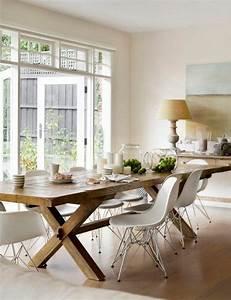 Salle a manger contemporaine complete en bois clair et for Salle À manger contemporaineavec chaise salle a manger bois clair