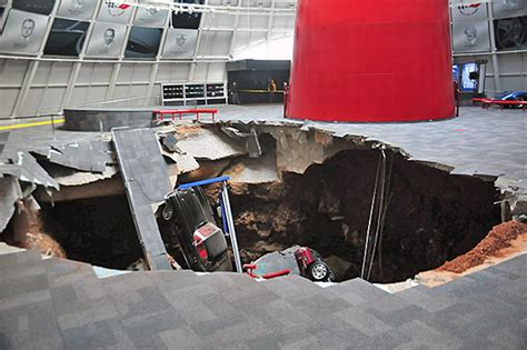 Corvette Museum Sinkhole Size by Sinkhole Collapes In National Corvette Museum In Bowling