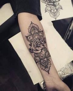 Tatouage Avant Bras Femme Mandala : modele tatouage mandala interieur avant bras avec rose ~ Melissatoandfro.com Idées de Décoration