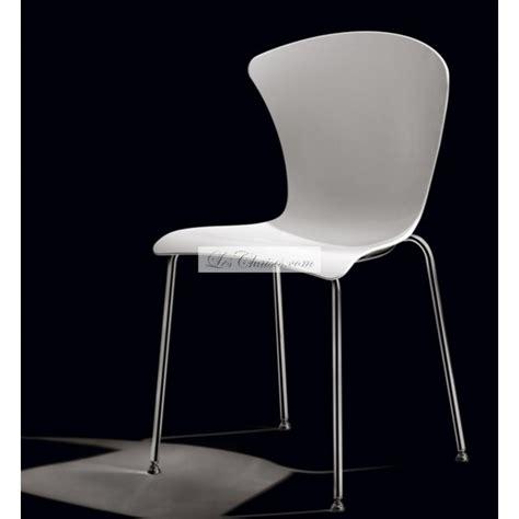 chaises design blanche chaise design blanche glossy et chaises blanche par