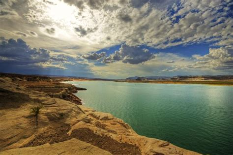 Boating Accident Lake Powell by Lake Powell Accident 1 Dead 2 Missing After Motorboat