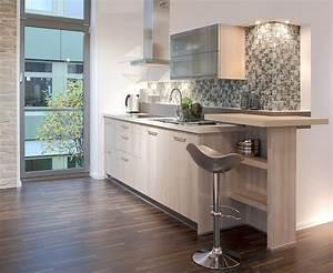 Wohnzimmer Mit Bar : helle holzk chenzeile mit theke ~ Michelbontemps.com Haus und Dekorationen