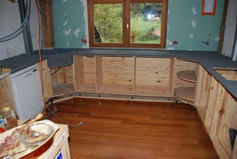béton ciré sur carrelage plan de travail cuisine liaisin bois syporex et beton ciré