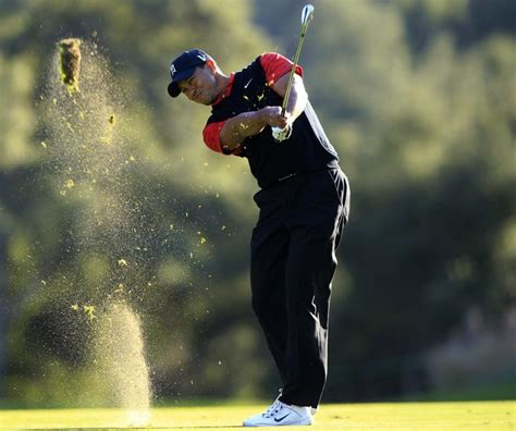 Tiger Woods Wins 2011 Cevron, First Tournament Victory ...