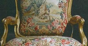 Vendita gommapiuma per cuscini e tappezzeria: Poltrona del settecento