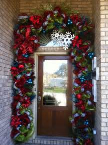 front door decorating ideas for christmas 10 inexpensive ways of decorating your home for the holiday season