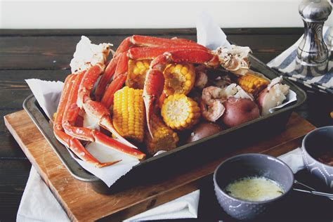 how do you boil snow crab snow crab boil with corn and potatoes daily ciabatta