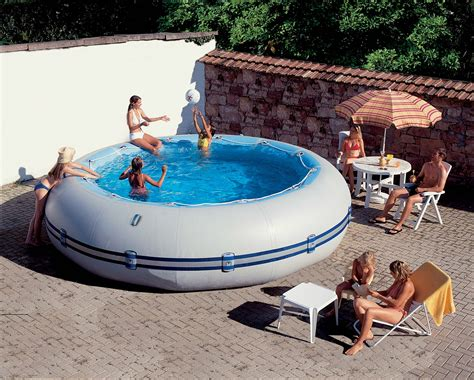 piscine hors sol gonflable zodiac winky 4 d 233 couvrez la ludique piscine hors sol zodiac winky