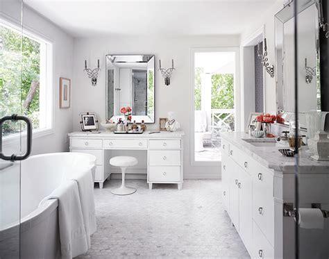 mix  chic stunning white bathrooms