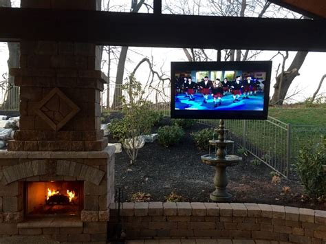Outdoor Entertainment System  Traditional Patio