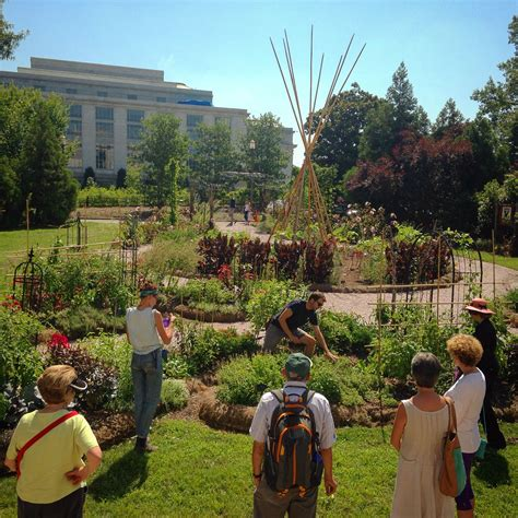 Victory Garden at the National Museum of American History ...