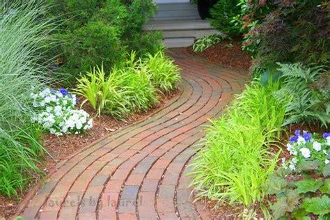 curved garden path nice curved brick path garden pinterest