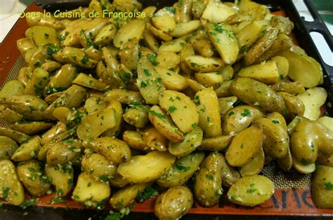 cuisiner les pommes de terre de noirmoutier pommes de terre ratte rôties au four dans la cuisine de
