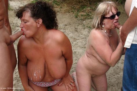 Beach bukkake party