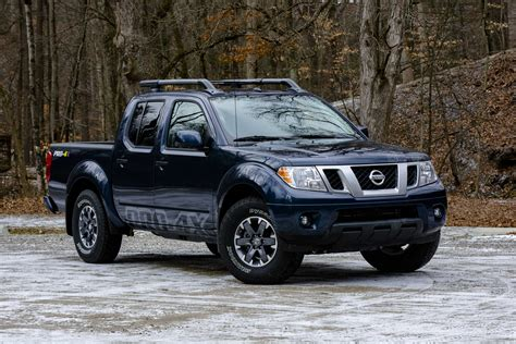 nissan frontier pro  review  stalwart