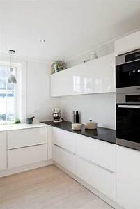 Cuisine Avec Parquet : la cuisine laqu e une survivance ou un hit moderne kitchen kitchen small space kitchen ~ Melissatoandfro.com Idées de Décoration