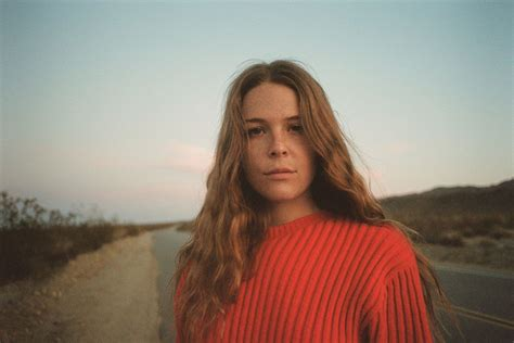 maggie rogers give   neuer song musikblog