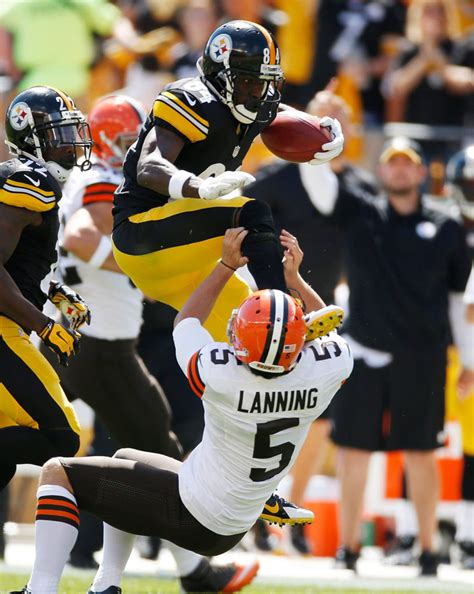Highlight: Antonio Brown Kicks Cleveland Punter in the ...