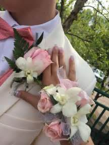 how to make a wrist corsage best 25 prom corsage ideas on