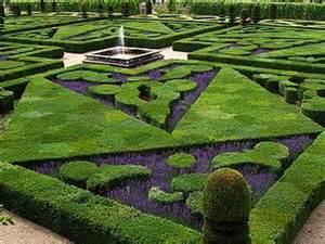 Harmonious Formal Garden Layout by Jardinagem E Paisagismo O Jardim Franc 234 S Cl 225 Ssico Por