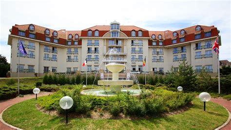 chambre d 39 hotel avec piscine priv c3 a9e