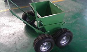 China Manual Sand Spreader For Artificial Grass