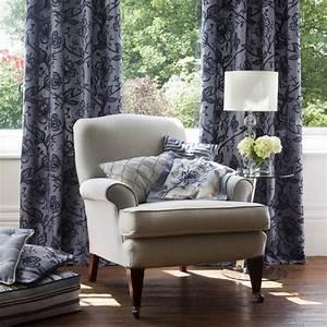 Salon Classique Chic : fauteuil rideaux d coration classique chic salon nice par l 39 alcove ~ Dallasstarsshop.com Idées de Décoration
